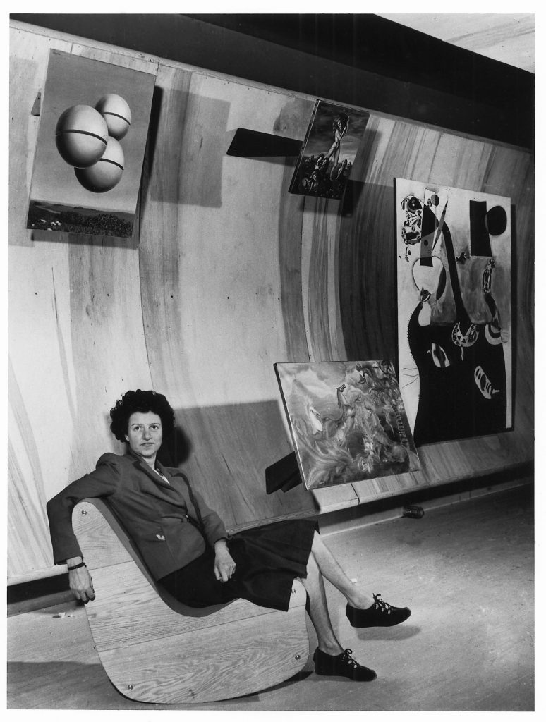 "foto: expozitia ""Peggy Guggenheim in Photographs"" Ikona Gallery, Venice; https://i-d.vice.com/en_gb/article/celebrating-pioneering-art-collector-peggy-guggenheim"