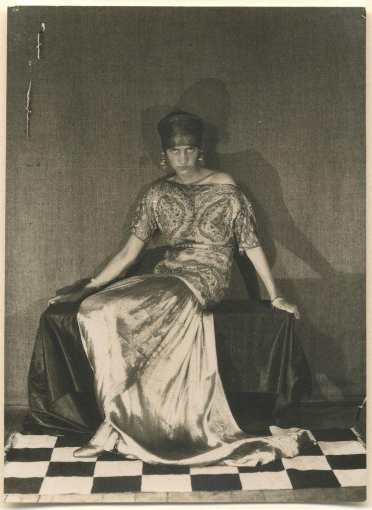 "foto: Man Ray, expozitia ""Peggy Guggenheim in Photographs"" Ikona Gallery, Venice; https://i-d.vice.com/en_gb/article/celebrating-pioneering-art-collector-peggy-guggenheim"