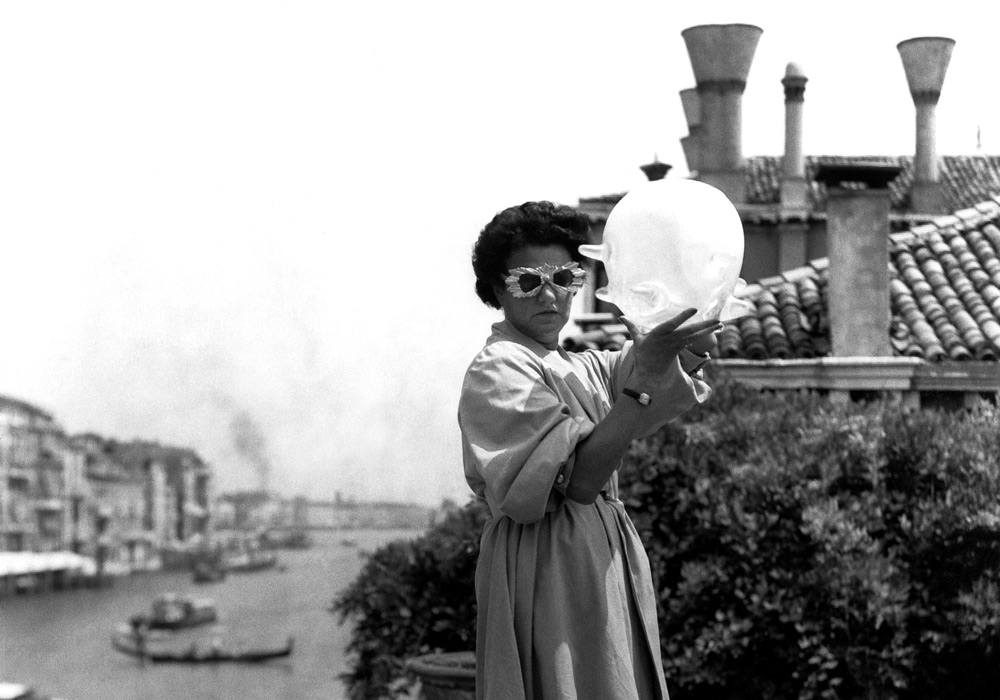 Roloff Beny, courtesy of National Archives of Canada and The Peggy Guggenheim Collection Archives, Venice; http://canadianart.ca/reviews/peggy-guggenheim-art-addict/