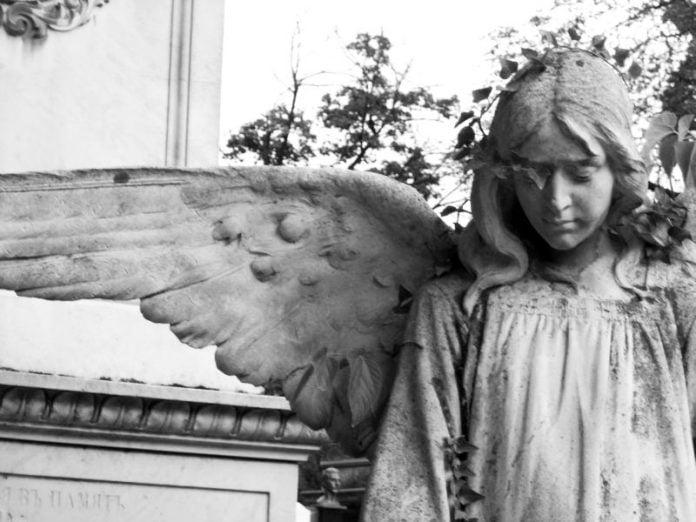 Sursa www.certitudinea.ro Cimitirul Bellu
